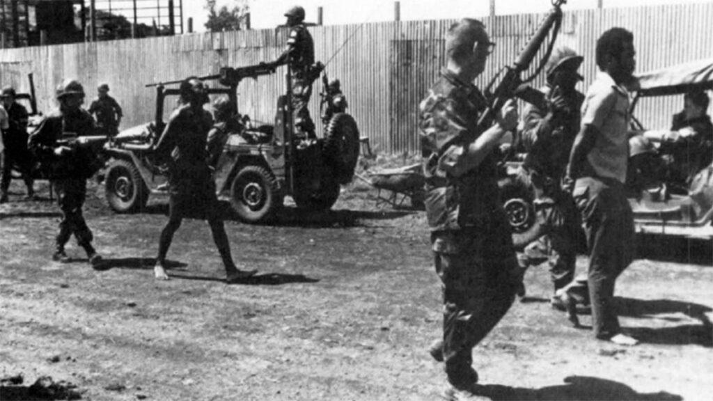 Αιχμάλωτοι κατά την Αμερικάνικη εισβολή στη Γρενάδα