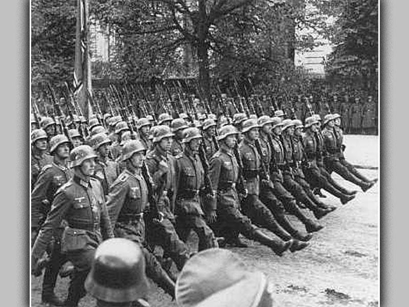 Οι Γερμανοί εισβάλλουν στη Ρουμανία