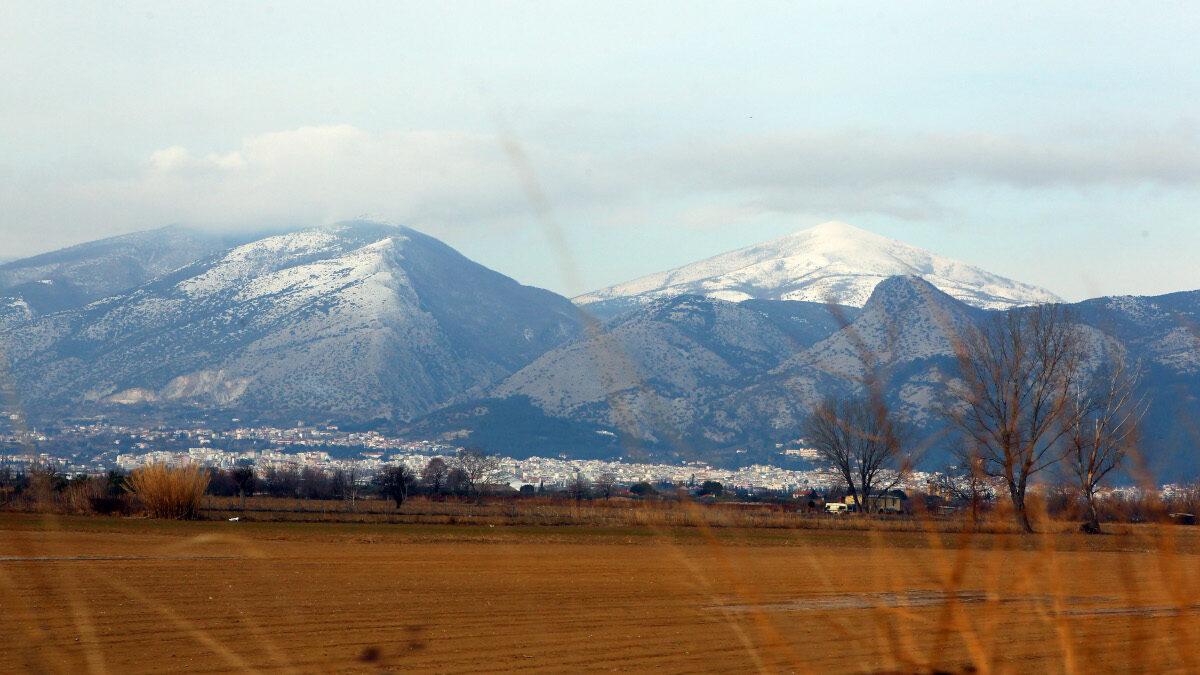 Η Ξάνθη στους πρόποδες της οροσειράς της Ροδόπης