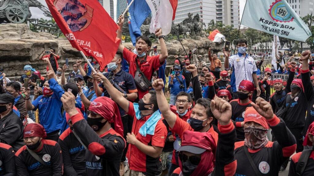 Διαδηλώσεις στην Ινδονησία ενάντια σε εργατικά μέτρα