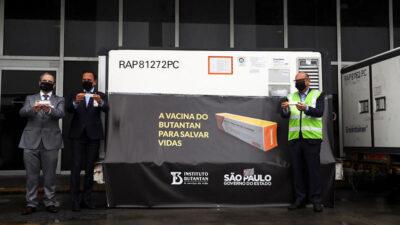 Τα πρώτα κινέζικα εμβόλια κατά του κορονοϊού φτάνουν στη Βραζιλία