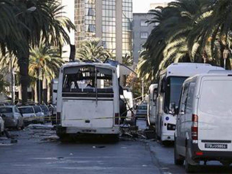 Τρομοκρατική επίθεση στην Τύνιδα σε λεωφορείο της προεδρικής φρουράς το 2015