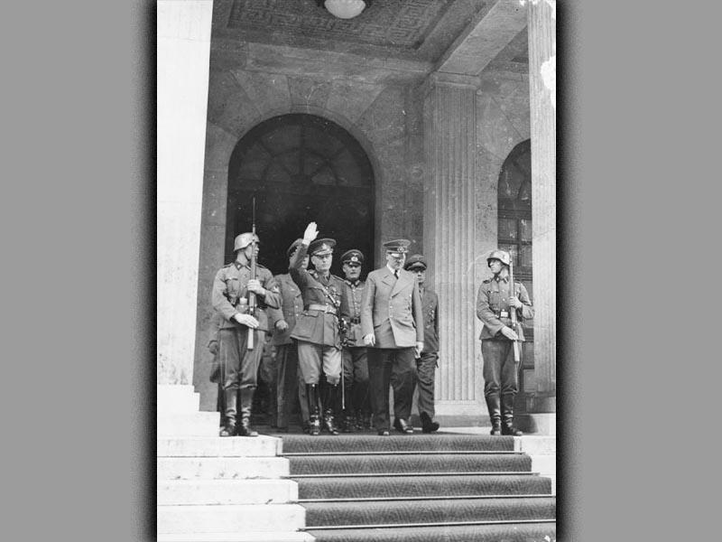 Ίων Αντονέσκου - Χίτλερ