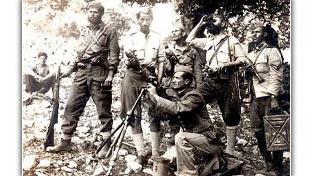 Τμήμα ολμιστών του ΕΛΑΣ το 1944