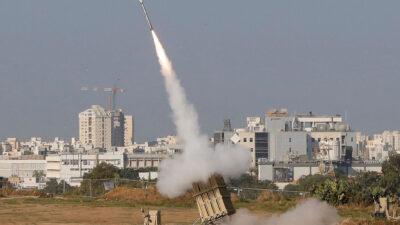Το Ισραήλ εκτοξεύει πυραύλους