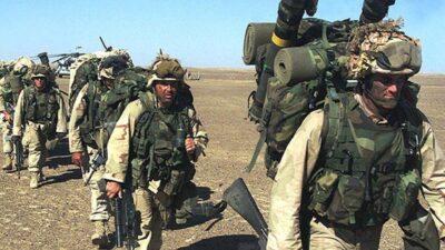 Αμερικανικές δυνάμεις εισβάλλουν στην Καμπούλ το 2001