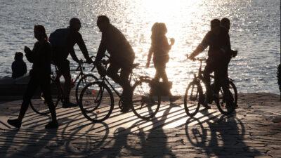 Παραλία Π. Φαλήρου - Lockdown - ποδήλατο - βόλτα - αίθριος καιρός