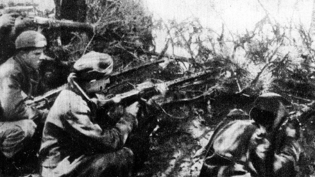 Τμήματα της 1ης Μεραρχίας του ΔΣΕ επιτίθενται στο Βουλγαρέλι το 1948