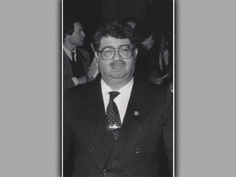 Ο Τουργκούτ Οζάλ