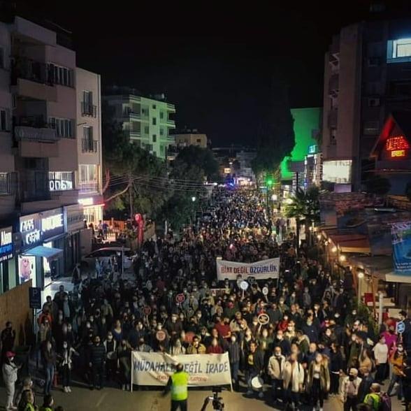 Κινητοποίηση των Τουρκοκύπριων στην κατεχόμενη Λευκωσία ενάντια στις Τουρκικές παρεμβάσεις