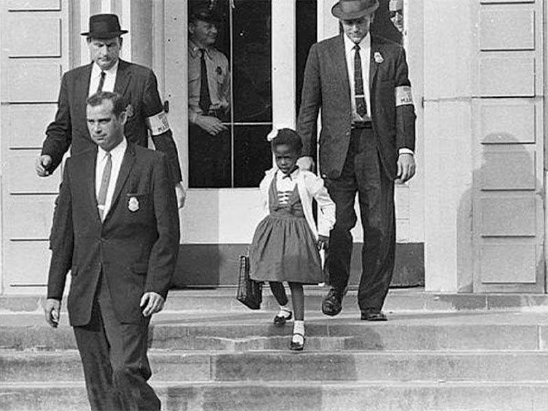 Οι πρώτες μικρές αφροαμερικανίδες εγγράφονται σε σχολεία λευκών της Νέας Ορλεάνης το 1960