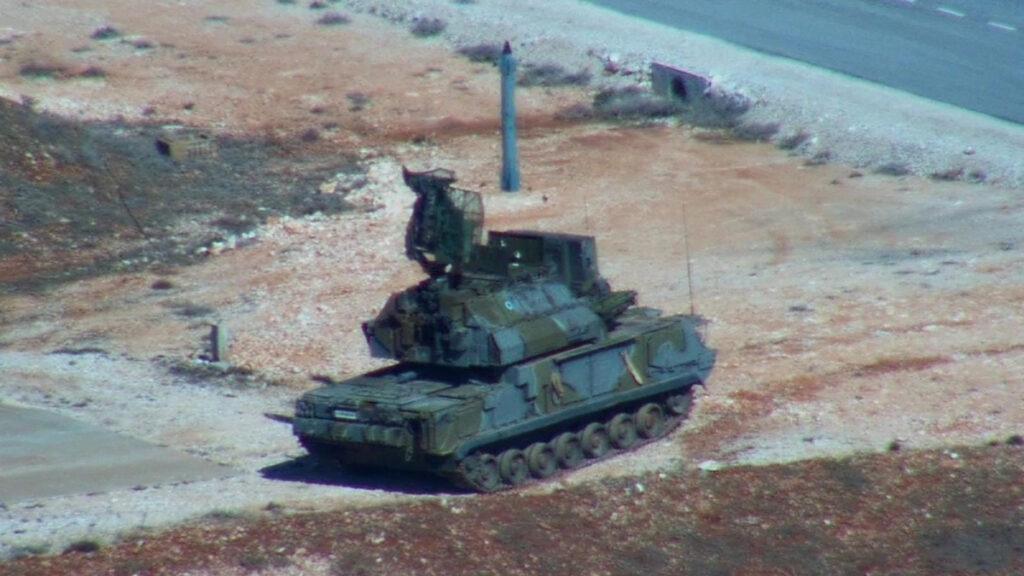 Από τη Δευτέρα 02 έως την Παρασκευή 06 Νοεμβρίου 2020, πραγματοποιήθηκαν βολές αντιαεροπορικών συστημάτων στο Πεδίο Βολής Κρήτης από Μονάδες των Ελληνικών Ενόπλων Δυνάμεων, στο πλαίσιο της εκπαίδευσης και αξιολόγησης τους. Ειδικότερα, πραγματοποιήθηκαν βολές πιστοποίησης Κατευθυνομένων Βλημάτων (Κ/Β) TOR-M1 και OSA-AK καθώς και εκπαιδευτικές βολές Κ/Β ΗAWK, ASRAD και MANPAD (STINGER). (EUROKINISSI/ΓΕΕΘΑ)