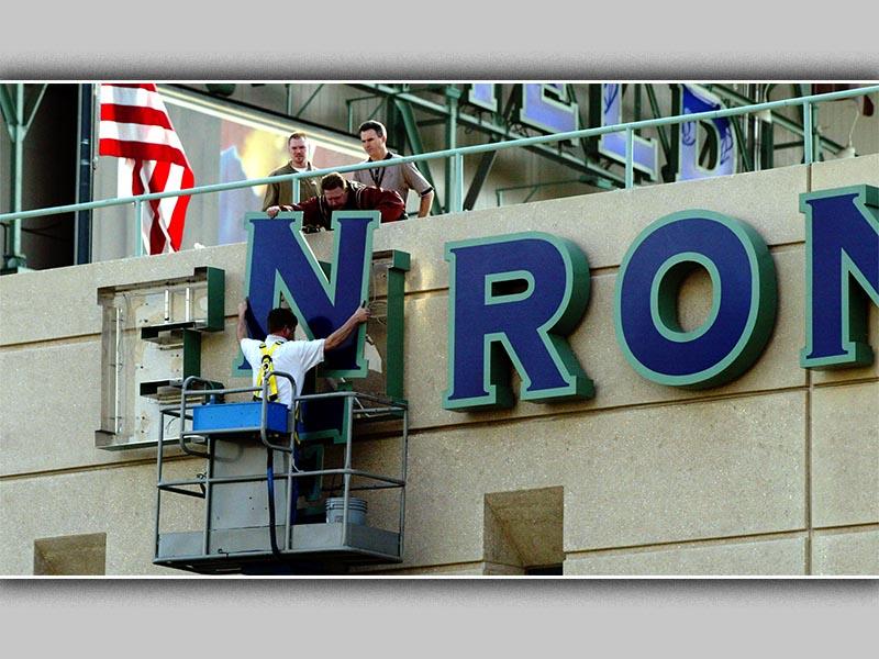 Κατάρρευση Enron, 2001