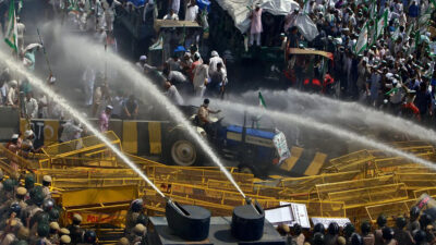 Καταστολή σε διαδηλώσεις των αγροτών στην Ινδία