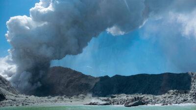 Από την έκρηξη ηφαιστείου στη Νέα Ζηλανδία πριν ένα χρόνο