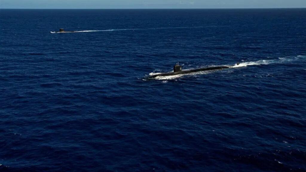 Ιαπωνικό Ελικοπτεροφόρο - Γαλλικό Υποβρύχιο - Συνεκπαίδευση Γαλλικού Πολεμικού Ναυτικού με Ιαπωνικό και Πολεμικό Ναυτικό ΗΠΑ (7ος Στόλος) στη Θάλασσα Φιλιππίνων στον Ειρηνικό Ωκεανό - Δεκέμβρης 2020