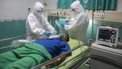 Διασωληνωμένος ασθενής με τον νέο κορονοϊό COVID-19