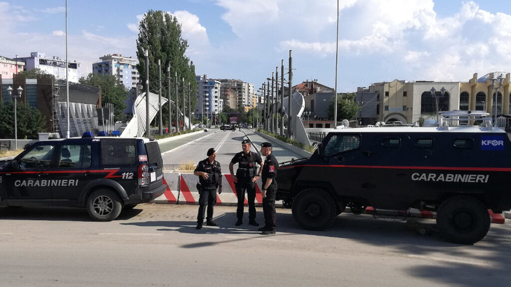 ΝΑΤΟ - Κόσοβο - Ιταλικές δυνάμεις της KFOR στη Μιτρόβιτσα