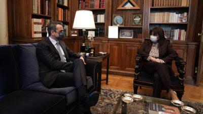 Συνάντηση του Κ. Μητσοτάκη με την ΠτΔ κ. Σακελλαροπούλου, 21-12-20