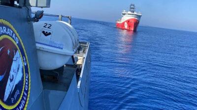 Το ερευνητικό πλοίο της τουρκικής εταιρίας Πετρελαίου (TP) Oruc Reis, υπό τη συνοδεία της Κορβέτας TCG Karatas (P1212) του Πολεμικού Ναυτικού της Τουρκίας
