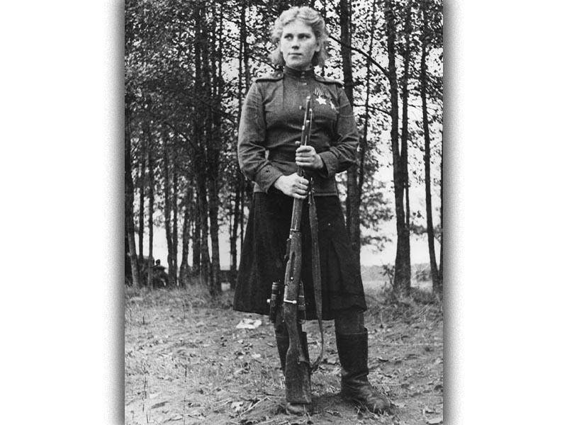 Β'ΠΠ - ΕΣΣΔ - Κόκκινος Στρατός - Ρόζα Σανίνα