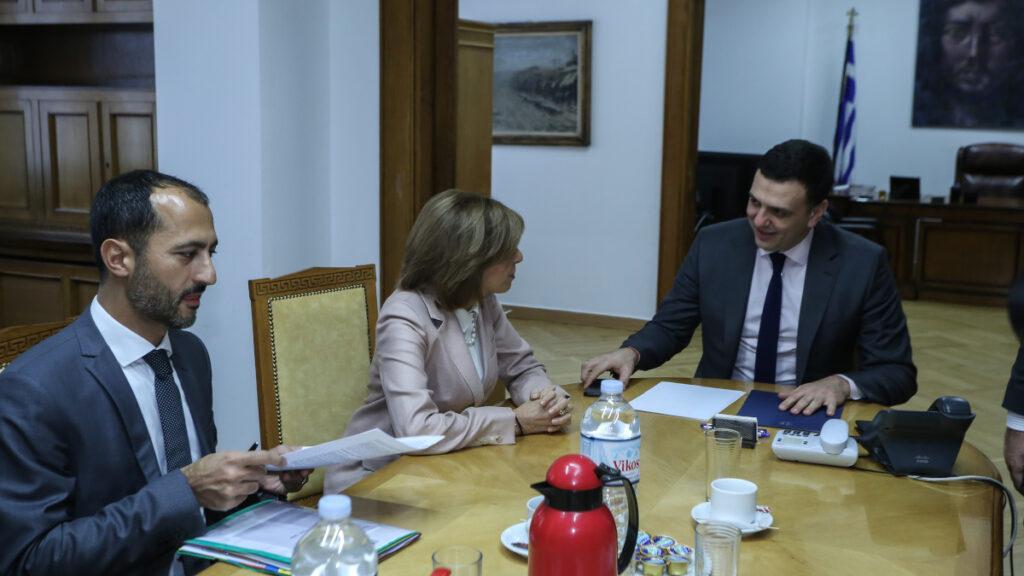 Συνάντηση του υπουργού Υγείας Βασίλη Κικίλια με την Επίτροπο Υγείας και Ασφάλειας Τροφίμων της Ευρωπαϊκής Ένωσης Στέλλα Κυριακίδου, την Πέμπτη 23 Ιανουαρίου 2020.