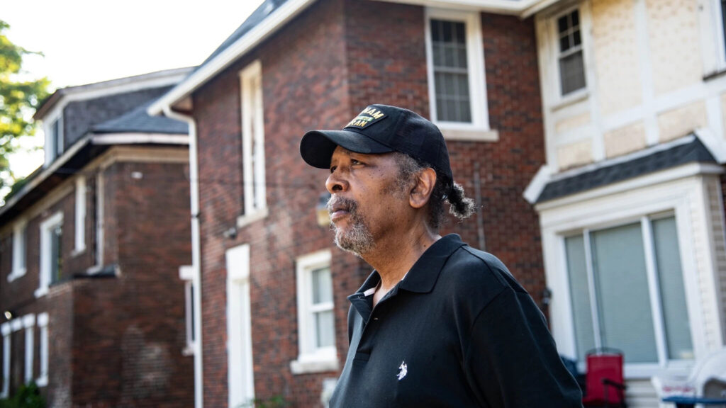 Ο πρώην πεζοναύτης Alexander Jenkins Jr στο Ντιτρόιτ σήμερα