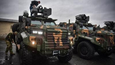 Ουγγρικά Ejder Yalcin / Στρατιωτικά Θωρακισμένα Οχήματα Gidran που παράγονται από την τουρκική εταιρεία Nurol Makina