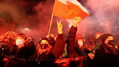 Διαδηλώσεις ενάντια στην απαγόρευση των αμβλώσεων στην Πολωνία