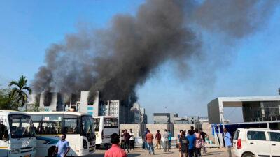 ινδία πυρκαγιά σε εργοστάσιο παραγωγής εμβολίων