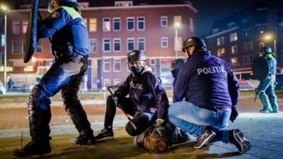 Καταστολή σε διαδηλώσεις ενάντια στα περιοριστικά μέτρα στην Ολλανδία