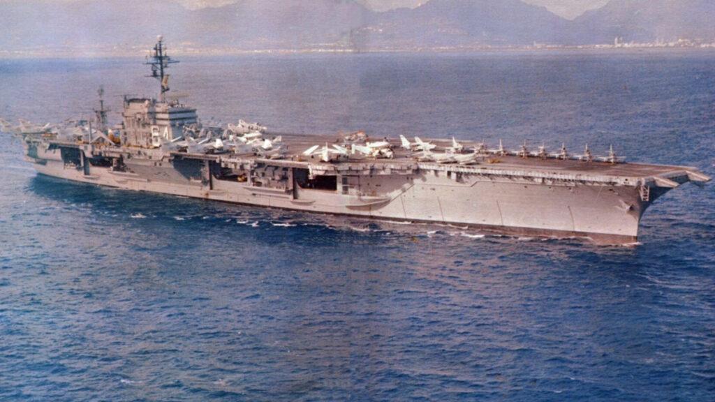 Αεροπλανοφόρο USS CONSTELLATION (CV64) - 1964-1965 - Εν πλω για Βιετνάμ