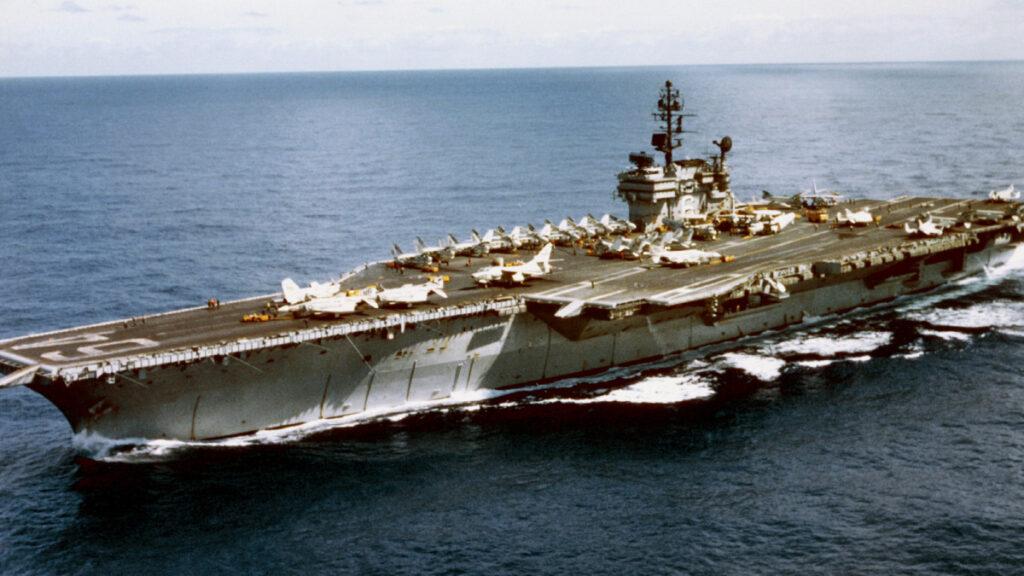 Αεροπλανοφόρο USS CONSTELLATION (CV64) τη χρονιά της ανταρσίας
