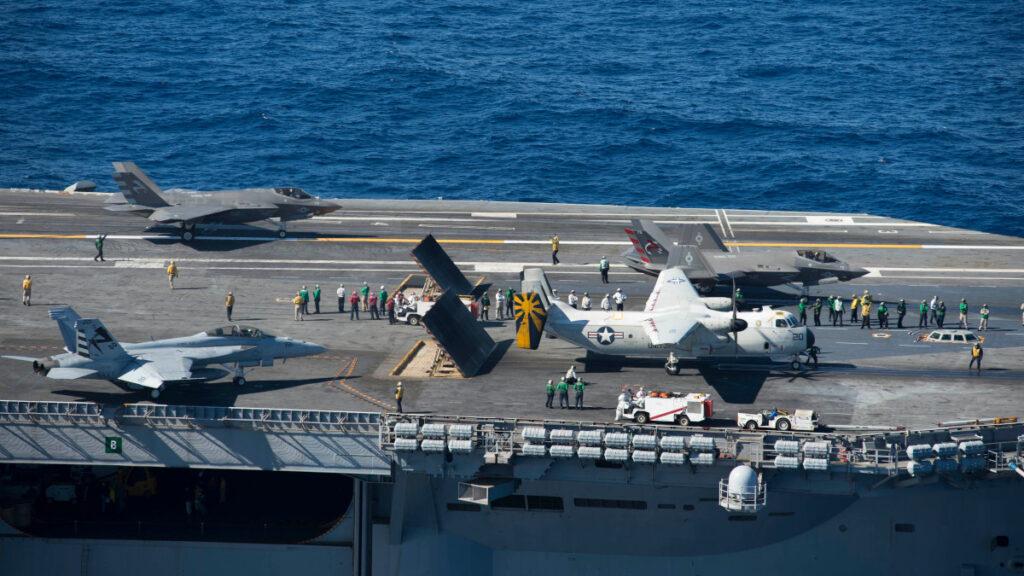 Απογειώσεις αεροσκαφών από το Αεροπλανοφόρο USS NIMITZ CVN-68