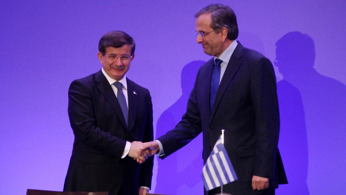 Στιγμιότυπο από τις εργασίες του 3ου Ανωτάτου Συμβουλίου Συνεργασίας Ελλάδας - Τουρκίας - Πρωθυπουργοί Ελλάδας - Τουρκίας, Α. Νταβούτογλου - Α. Σαμαράς - Δεκέμβρης 2014