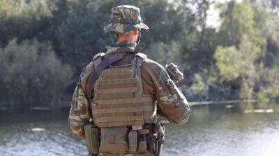 Στρατιωτικός σε φυλάκιο στις όχθες του Έβρου ποταμού, Έβρος