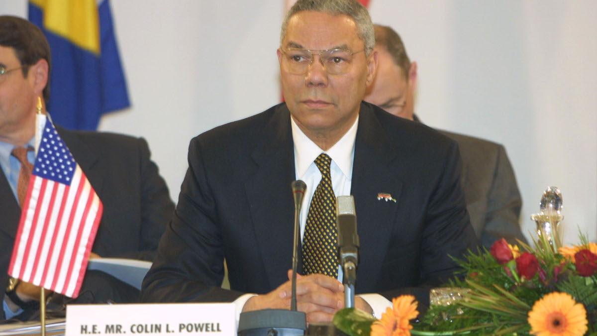 Κόλιν Πάουελ, Υπουργός Εξωτερικών των ΗΠΑ το 2001 - Σκόπια - ΝΑΤΟ