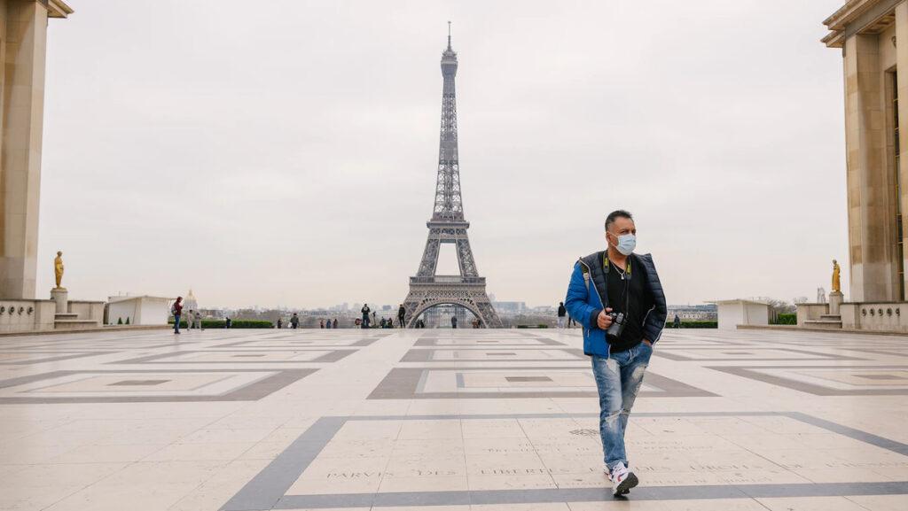 Ο Πύργος του Άιφελ απο το Τροκαντερό, Παρίσι, Γαλλία - COVID-19