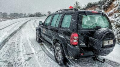 Πυροσβεστικό όχημα σε χιονόπτωση