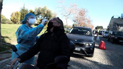 RAPID TEST από κλιμάκιο του ΕΟΔΥ στην περιοχή του Θησείου