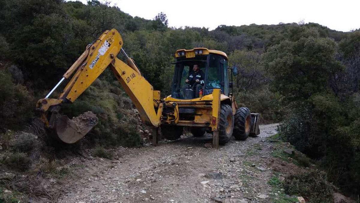 Αποκατάσταση ζημιών λόγω κακοκαιρίας από τους εργαζόμενους του Δήμου Πάτρας