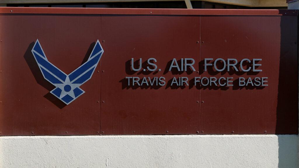 Βάση της Πολεμικής Αεροπορίας των ΗΠΑ Travis Air Force Base στη Καλιφόρνια