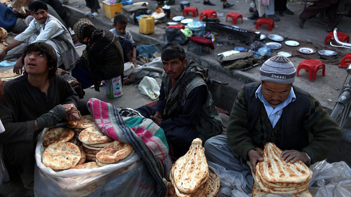KABUL, Αφγανιστάν - Υπαίθρια αγορά