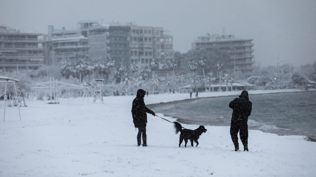 Χιόνια στην Αθήνα - Παραλία Παλαιού Φαλήρου