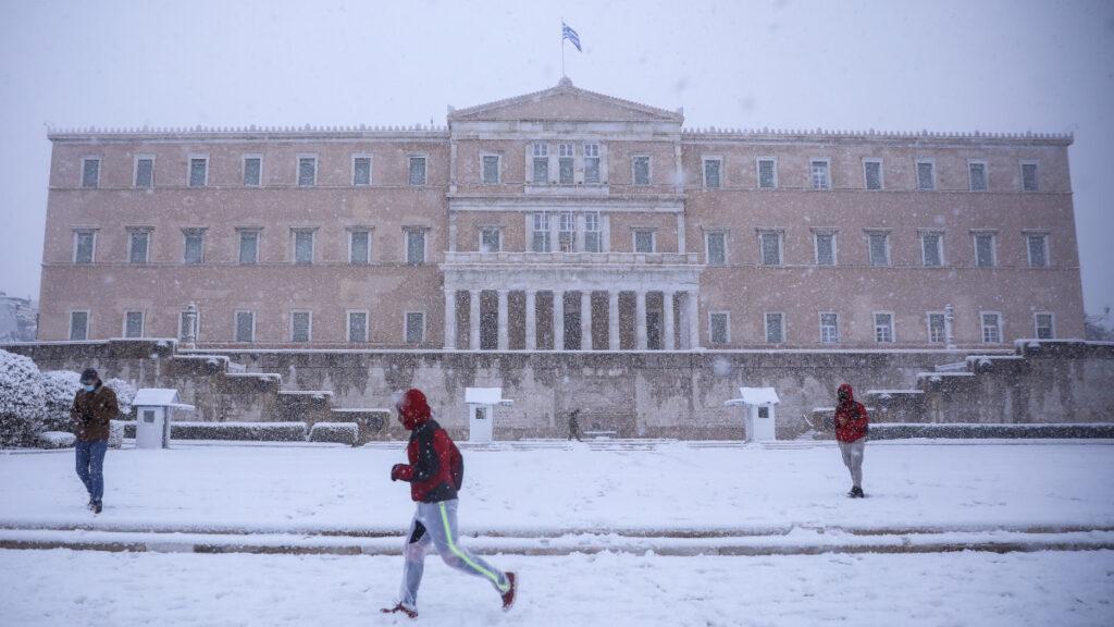 Χιόνια στην Αθήνα - Βουλή