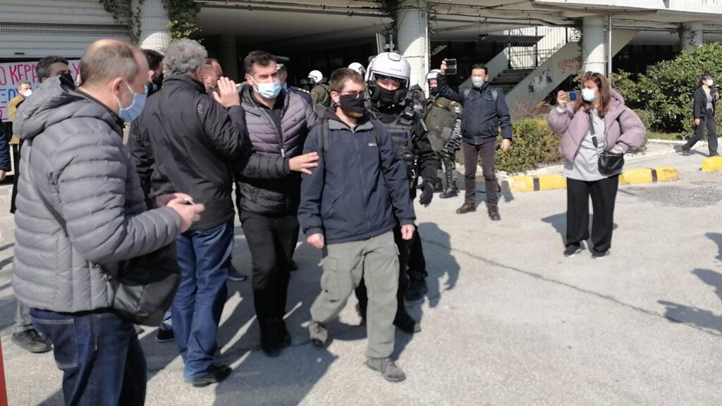 Αστυνομία - Όργιο κρατικής καταστολής στο Αριστοτέλειο Πανεπιστήμιο Θράκης εναντίων φοιτητών που αγωνίζονταν το ασφαλές άνοιγμα των σχολών τους 22/2/2021