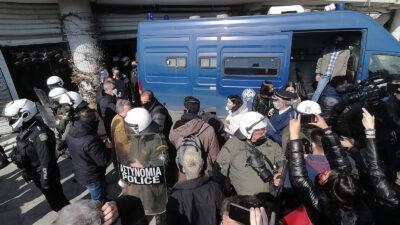 Όργιο κρατικής καταστολής στο Αριστοτέλειο Πανεπιστήμιο Θεσσαλονίκης εναντίον φοιτητών που αγωνίζονταν το ασφαλές άνοιγμα των σχολών τους 22/2/2021