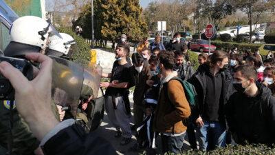 Όργιο κρατικής καταστολής στο Αριστοτέλειο Πανεπιστήμιο Θράκης εναντίων φοιτητών που αγωνίζονταν το ασφαλές άνοιγμα των σχολών τους