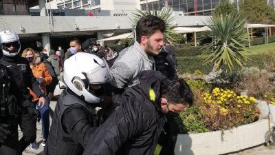 Όργιο κρατικής καταστολής στο Αριστοτέλειο Πανεπιστήμιο Θεσσαλονίκης εναντίων φοιτητών που αγωνίζονταν το ασφαλές άνοιγμα των σχολών τους 22/2/2021