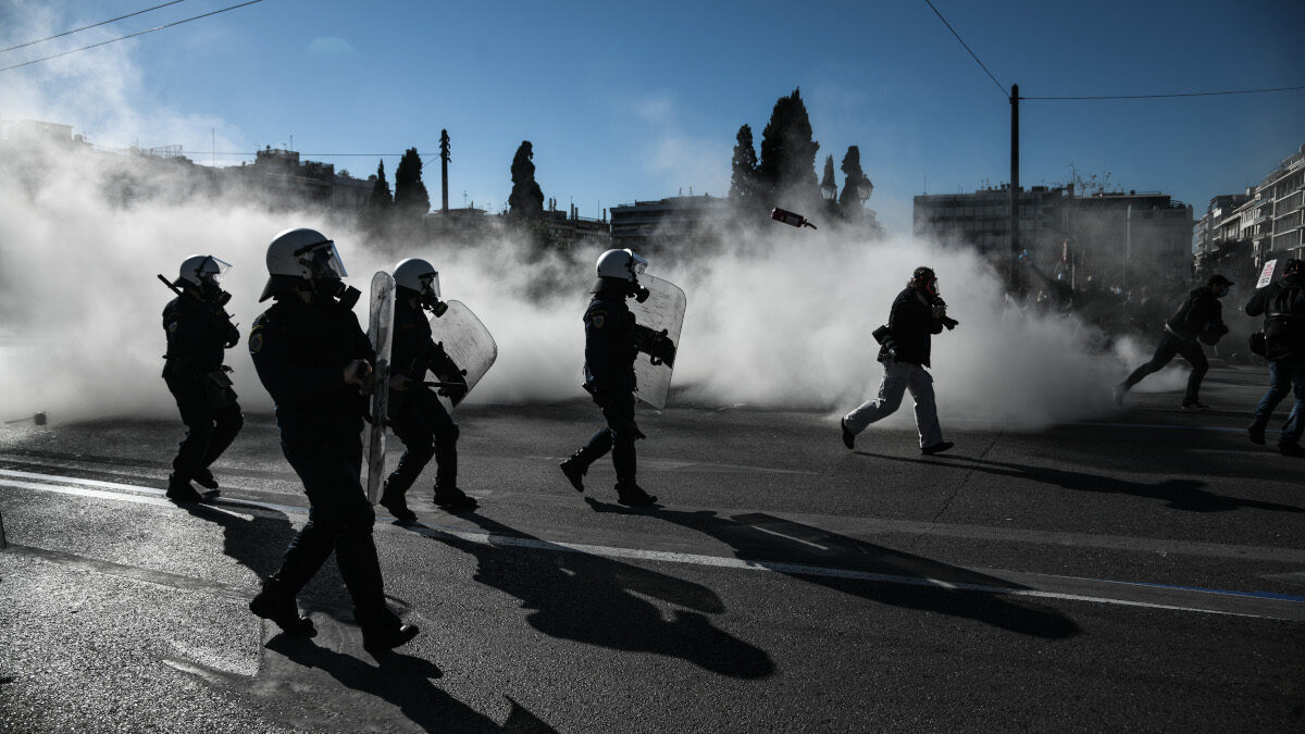 Επίθεση των ΜΑΤ στο Πανεκπαιδευτικό συλλαλητήριο στο Σύνταγμα